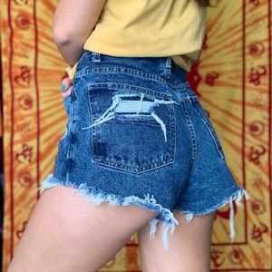 Vintage hand distressed high waisted shorts sz 30